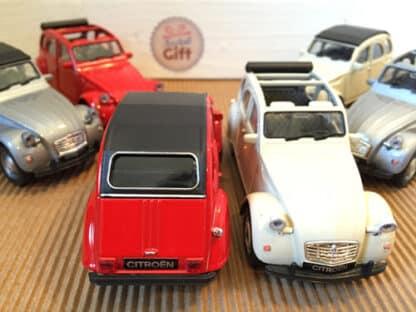 Miniature Citroen 2 CV (1979) en métal, 1:34-39