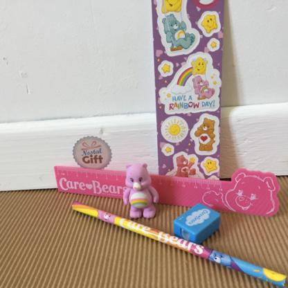 Bisounours - règle, taille-crayon, gomme, crayon et autocollants