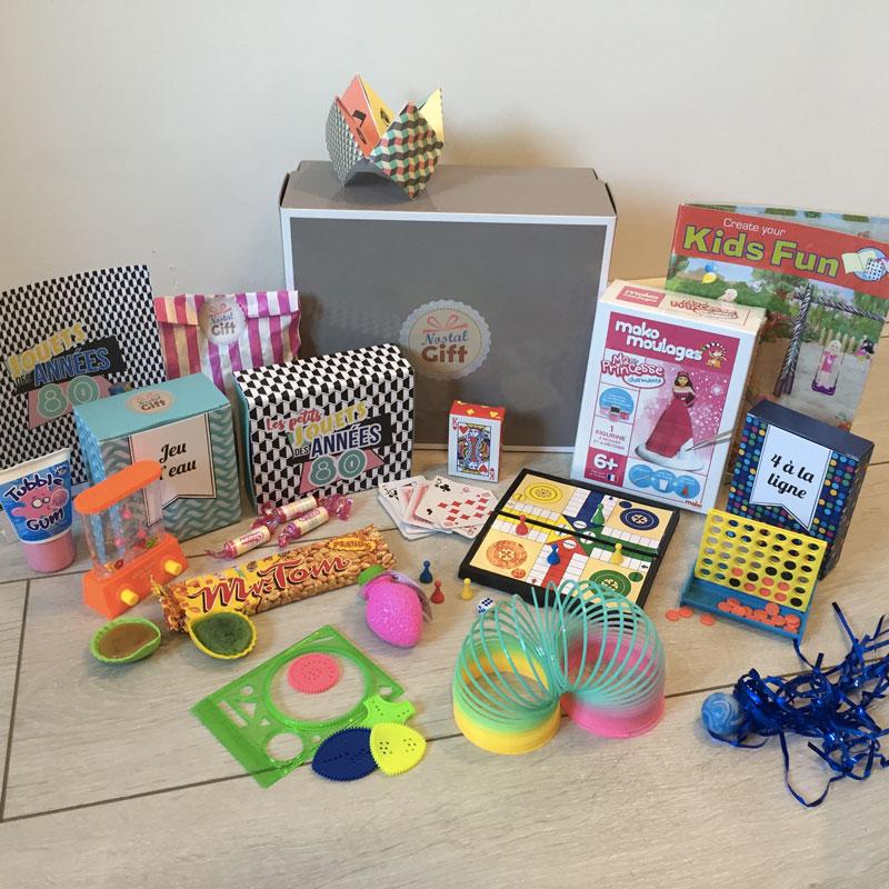 coffret cadeau jouets des ann es 80 femme nostalgift objets bonbons vintage. Black Bedroom Furniture Sets. Home Design Ideas