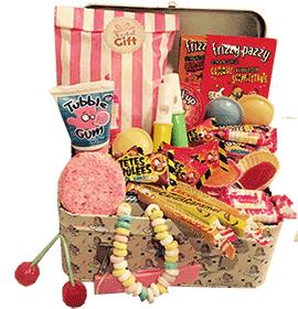 82b075ff54c Votre maman est gourmand   Découvrez nos coffrets bonbons ! Des chocolats  ou des bonbons rétro sous forme de coffrets originaux qui lui feront  plaisir à ...