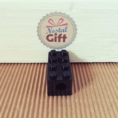 Taille crayon en forme de cube de construction