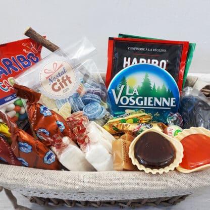 Coffret cadeau : Panier rempli de bonbons des années 60