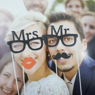Photobooth Madame & Monsieur 4 pièces - Déguisement photo pour mariage, fêtes...