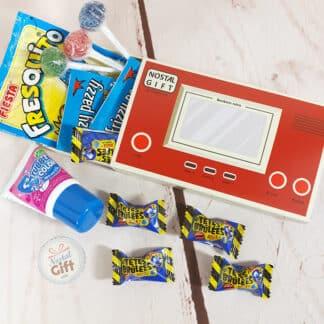 Coffret cadeau : Boîte console retro remplie de bonbons tache langue