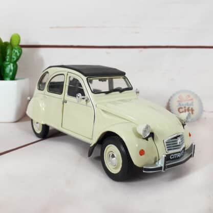 Miniature voiture Citroën 2 CV (échelle 1:24)