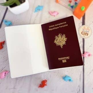"""Porte-Passeport """"Est-ce que tu viens pour les vacances"""""""