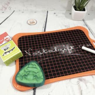 Kit ardoise avec éponge et 1 boite de 10 craies blanches - Maped