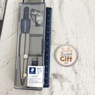 Compas en métal Noris avec sa boîte,mine et attache crayon - Staedtler