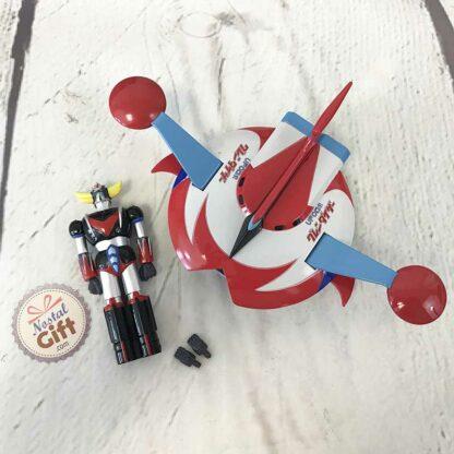Figurine Goldorak éjectable (couleurs retro) dans son vaisseau + boite métal Deluxe