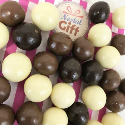 Noisettes enrobées de chocolat - 200g (Mix blanc, lait et noir)