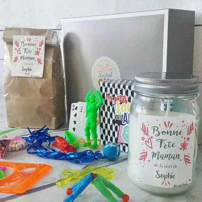 """Coffret cadeau personnalisé : Sachet bonbon 80, jouets retro et Bougie """"Bonne fête Maman"""""""