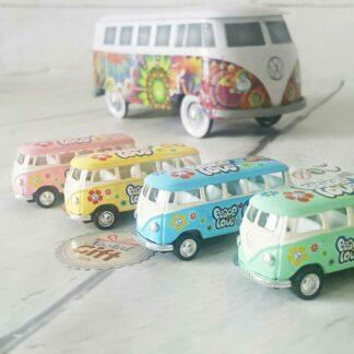 Porte clef Volkswagen Peace & Love- modèle bus T1 de 1962