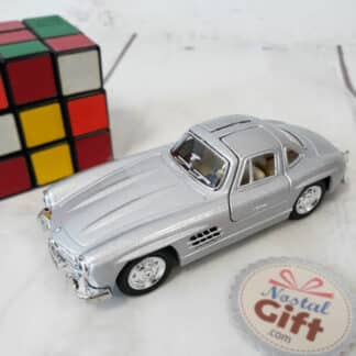Miniature Mercedes-Benz 300SL Coupé de 1954 (12,8 cm)