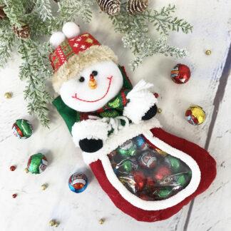 Chaussette de noël bonhomme de neige remplie de chocolats