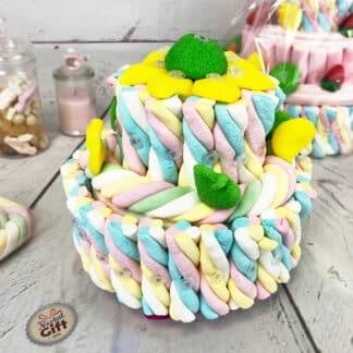 Petite pièce montée de bonbons multicolore guimauve