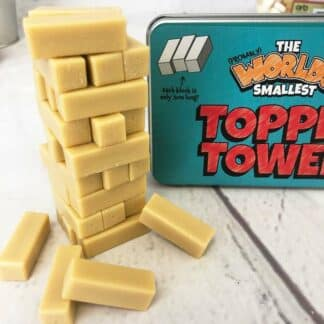 La plus petite tour de briques à empiler