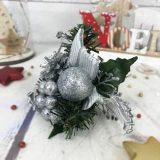 Décoration de Noël - Bouquet pailleté argenté pomme de pain avec nœud