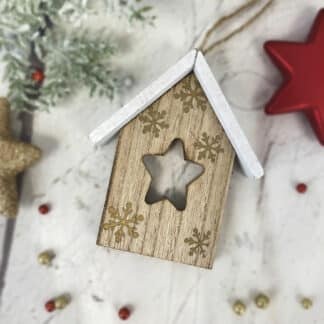 """Décoration de noël à suspendre -Sapin en bois """"we wish you a merry christmas"""""""