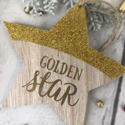 """Décoration de noël à suspendre - Etoile en bois doré """"Golden Star"""""""