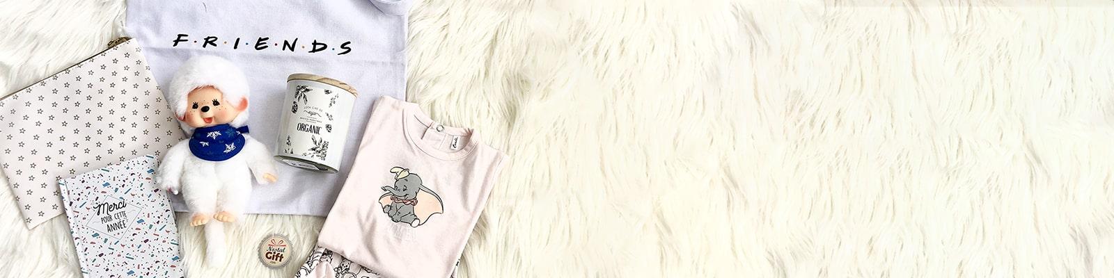 Retrouvez notre sélection de linge de maison pour habiller et embellir votre intérieur. Pour votre chambre ou celles de vos enfants, Nostalgift vous propose de les décorer avec des linges aux imprimés rétro et vintage. Dans cette catégorie vous trouverez des draps, couettes, plaids, taies d'oreillers qui vous rappelleront vos films et personnages mythiques.