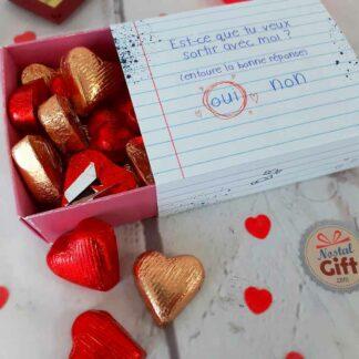 """Boîte Saint Valentin - Cœur chocolat fourrés x 30 - """" Est-ce que tu veux sortir avec moi ? """""""