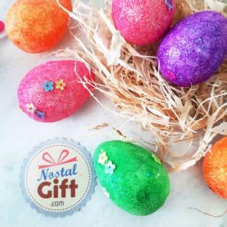 12 Œufs de Pâques pailletés et décorés de fleurs avec herbe