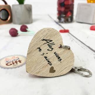 """Porte-clés cœur en bois  - """" Allez viens, on s'aime """""""
