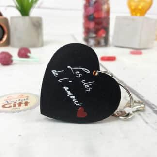 """Porte-clés cœur en bois  - """" Les clés de l'amour """""""