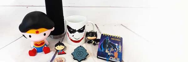 Batman, Wonder Woman, Superman, ces héros DC Comics ont marqué notre enfance et continuent à marquer celle de nos enfants. Retrouvez-les sur les nombreux accessoires disponibles sur notre site et offrez-vous un cadeau qui vous rappellera votre enfance.