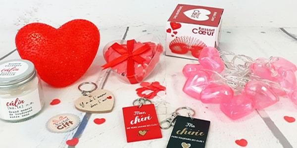 Et si vous choisissiez des bonbons comme cadeau pour la Saint Valentin? vous avez sûrement déjà pensé ou offert des fleurs, des bijoux ou autres, cette année changez de direction pour votre amoureux ou amoureuse et offrez-lui des bonbons pour la Saint Valentin. Chez NostalGift, on vous donne la possibilité d'offrir un cadeau et d'offrir un un agréable d'un retour en arrière.