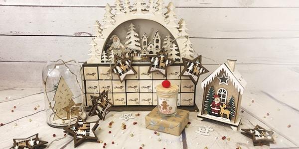 <p>Vous ne savez pas encore comment décorer votre maison pour Noël ? Nous avons la solution !<br />Découvrez toutes nos décos de Noël pour embellir votre maison grâce à la magie de Noël, bougies, chaussettes, fleurs...</p>