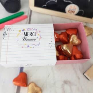 """Boîte de chocolat - Cœur chocolat fourrés x20 - """"Merci Nounou"""" - Collection florale"""