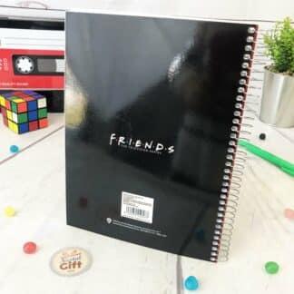 Friends - Cahier A5 rouge personnages avec horloge