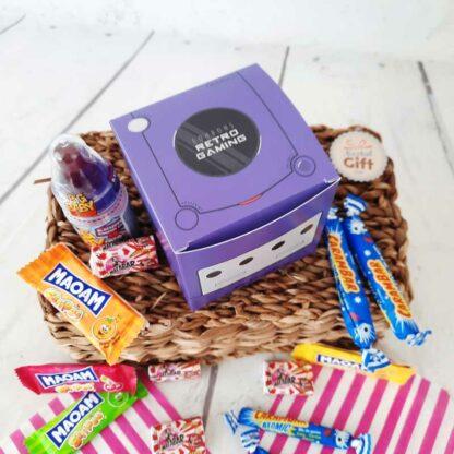 Coffret cadeau : Boîte console rétro remplie de bonbons 90