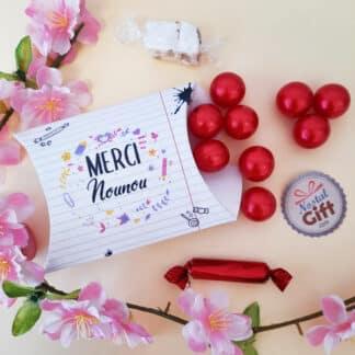 "Boîte ""Merci Nounou"" - Perle de bain bille senteur framboise x 12 - Collection florale"