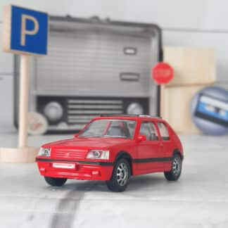 Miniature voiture vintage - Peugeot 205 GTI rouge (échelle 1:43)