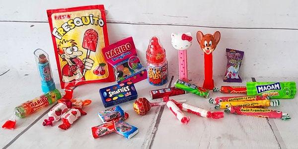 Retrouvez dans cette catégorie notre sélection de bonbons enfants pour faire plaisir à vos enfants de façon gourmande. Pour un anniversaire ou toute autre occasion, achetez vos bonbons enfants en ligne sur NostalGift.