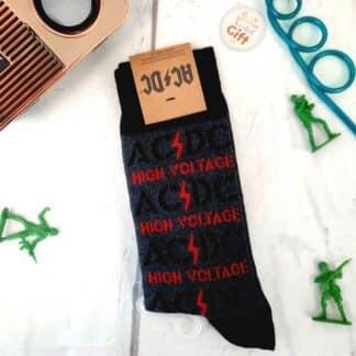 """AC/DC - Chaussettes grises et rouges """"high voltage"""" en coton"""