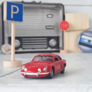 Miniature voiture vintage - Renault Alpine rouge (échelle 1:43)