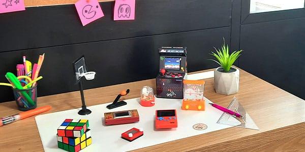 Trouvez un bon moyen de décompresser entre deux réunions avec toutes sortes de jeux et d'accessoires pour vous amuser seul ou entre collègues au bureau!