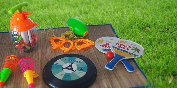 A la recherche d'occupation pour vos enfants pendant les vacances ? Retrouvez notre sélection des jeux d'extérieur et jeux d'été pour passer des moments ludiques en famille.