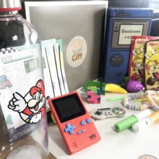 Coffret Cadeau jeux vidéo rétro (avec sa console de poche retro)
