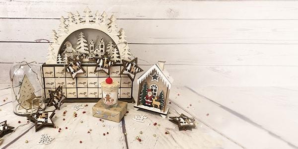 """<p><span style=""""color: #0a0a0a; font-family: 'Source Sans Pro', HelveticaNeue-Light, 'Helvetica Neue Light', 'Helvetica Neue', Helvetica, Arial, 'Lucida Grande', sans-serif; font-size: medium; text-align: center;"""">Pour Noël, trouvez les accessoires, cadeaux et objets parfaits, toutes les idées de décorations pour Noël sont disponibles à partir de cette page !</span></p>"""